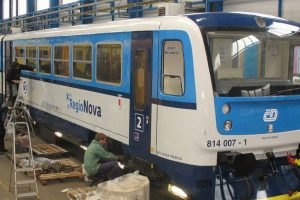 Repairs of Regionova DMU at DPOV shop, source: DPOV